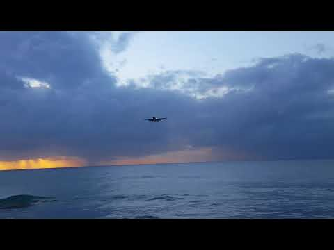 British Airways B777 landing Tobago