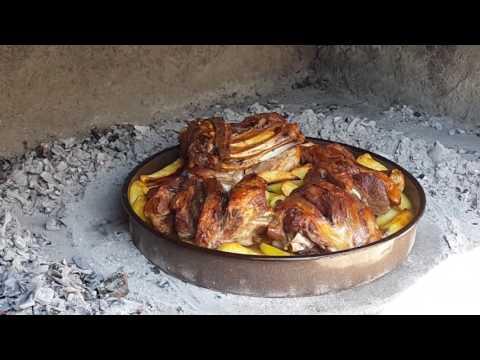Croatian lamb peka in Dalmatia 크로아티아 음식 페카