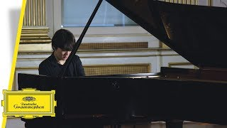 Seong-Jin Cho - Debussy (Trailer & Interview)