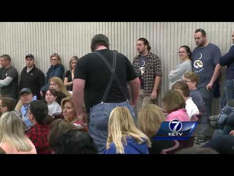 Iowa collective bargaining bill works through legislature; most public employees outraged