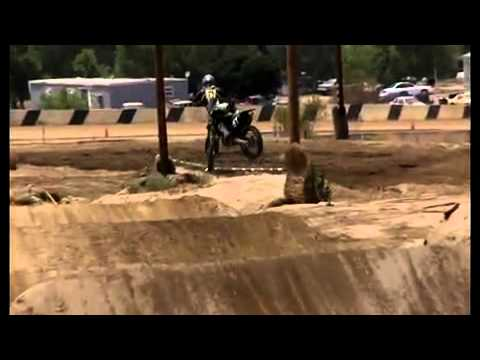 PORTADA SPORTS: MOTOCROSS