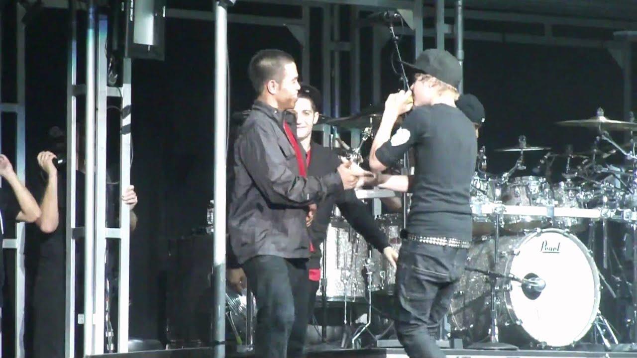 Baby!! 8/21/10 Toronto - Justin Bieber - My World Tour ...