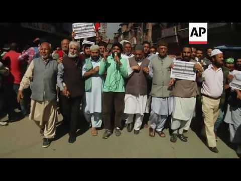 Police clash with protesters in Kashmir