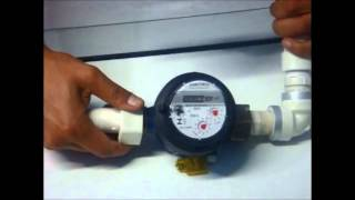 Só pode ser instalado depois do relógio medidor de consumo (hidrômetro). Afiatrons