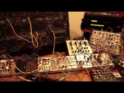 """Dans le Home studio de Nomenklatur : """"SubPac est une avancee dans la musique electronique"""""""