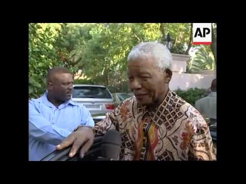 Mandela amongst mourners for veteran of anti-apartheid struggle
