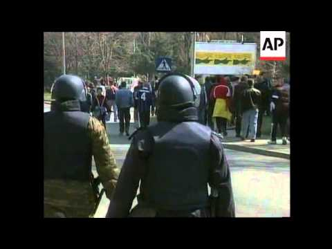 MACEDONIA: KOSOVO CRISIS: US EMBASSY SECURITY