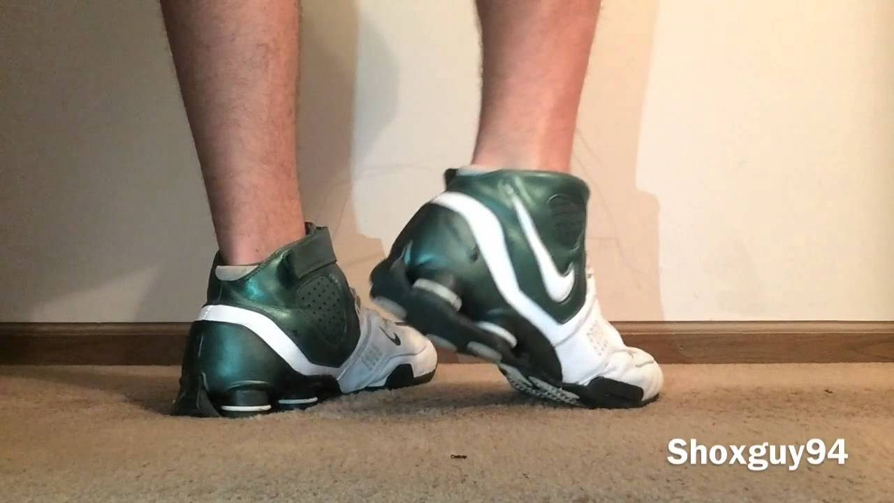 b0c49e6d921ab5 Nike Shox Elite TB - YouTube