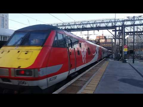 91101 'flying scotsman' and 82200 depart London kings cross heading to york