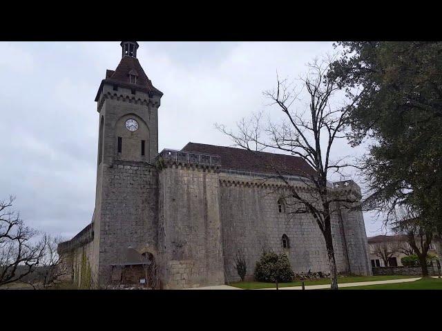 Rocamadour, ciudad medieval suspendida en su acantilado.