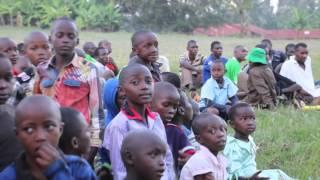 ケニアの青少年にサッカーグッズを届けるプロジェクト2016