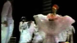 Raffaella Carrà e la Danza popolare (La Bamba -Millemilioni)