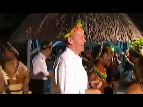 Bill Shorten - Desperate Dancing