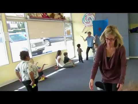 Preschool Thanksgiving Music: Turkey Feathers Singing Game