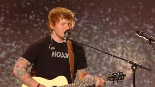 "Ed Sheeran ""Castle On The Hill"" (Billboard Music Awards 2017)"