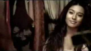 Jal And AmritaRao Cornetto Song