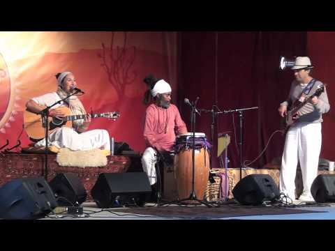"Aykanna  Sings ""Beautiful Am I""  Live at Sat Nam Fest West 2012"