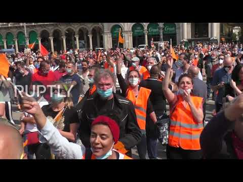 Italy: Orange Vests protesters call for government resignation at Milan rally