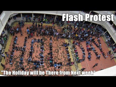 Palghar Engineering College students flash protest for Ganpati Holidays..!!