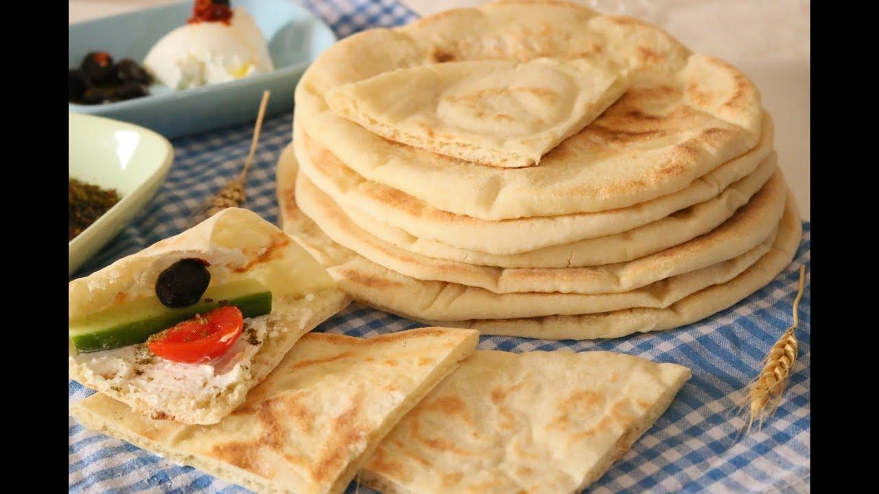 الخبز العربي السوري في المقلاة بدون فرن وطعم ولا اطيب Arabian Bread Youtube Cooking Recipes Dessert Recipes Food