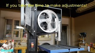 Adjustment of a small band saw for amateurs