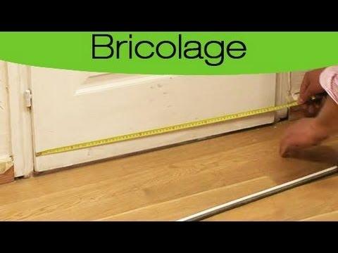 calfeutrer le bas d 39 une porte avec un balai youtube. Black Bedroom Furniture Sets. Home Design Ideas