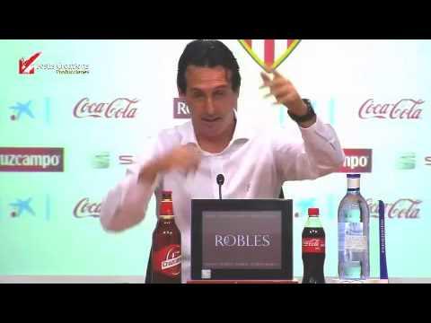 Unai Emery cree que todavía dirige al Valencia