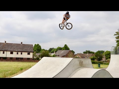 BMX KICK OUTS WITH THE SQUAD