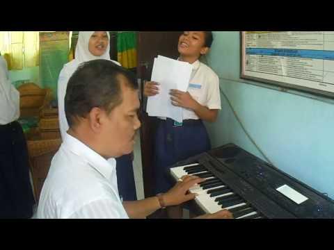 Tinggal Kenangan Cover by Kepala Sekolah & Siswi SMP Negeri 1 Pulau Rakyat
