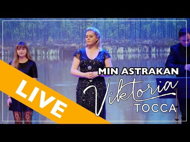 Viktoria Tocca - Min Astrakan