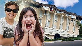 Maria Clara e JP em uma casa muito engraçada ♥ Maria Clara and JP new Playhouse for children