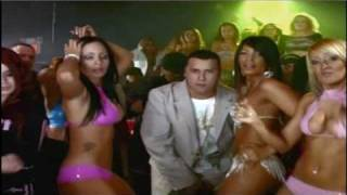 Watch Nicky Jam Chambonea video