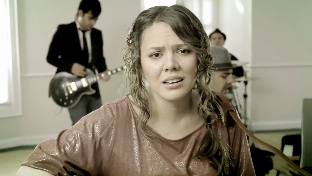 jesse-joy-corre-video-oficial-jesseyjoyoficial