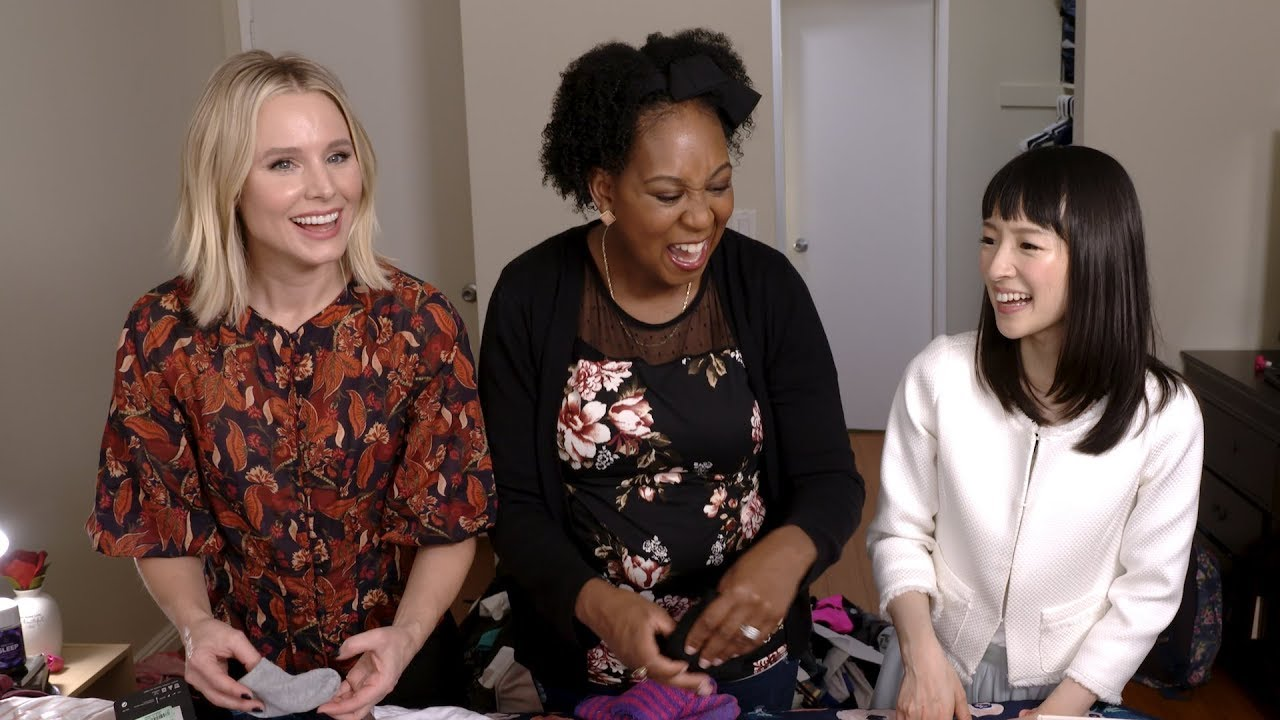 #Momsplaining with Kristen Bell: SparkJoy with Marie Kondo