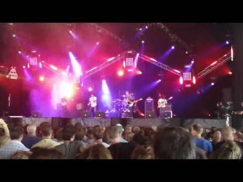 Young The Giant - St. Walker Live @ Lowlands 2011