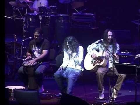Lovehunters: Live At Esplanade 2011