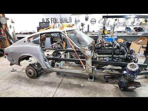 Test Fitting The BMW V10 Engine!