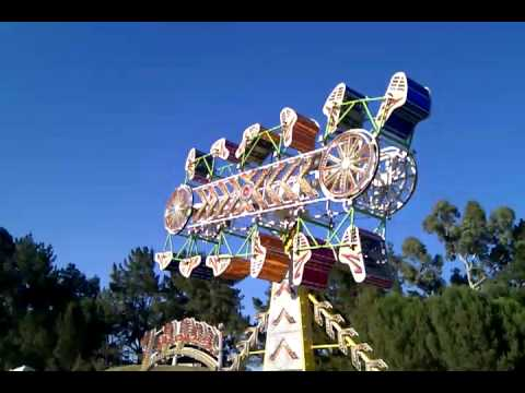 One full cycle of The Zipper ride at the 2010 Marin County ...