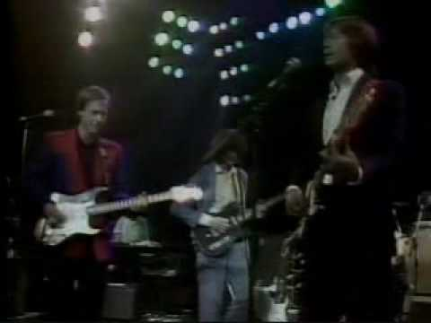Flashback: Jimmy Page, Eric Clapton and Jeff Beck Jam on 'Layla' in 1983