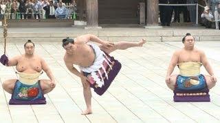 大相撲の第70代横綱に昇進した日馬富士関が28日、東京都渋谷区の明...