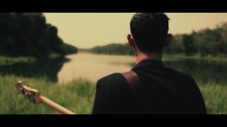 Download Bondan Prakoso - Kau Tak Sendiri [Official Music Video]