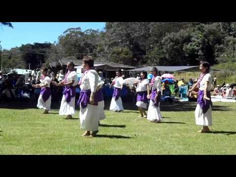 Halau performs for Queen Emma