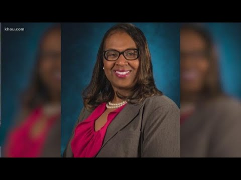HISD board votes to fire interim superintendent