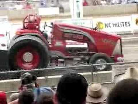Crazy Canuck Pulling Tractor Throws Rod