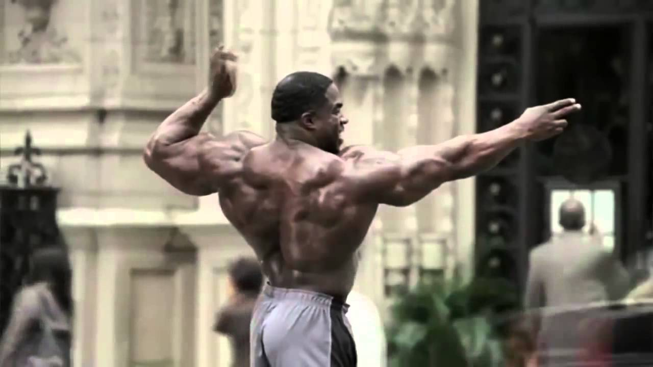 Kali Muscle - Geico Bodybuilder Directing Traffic | Kali