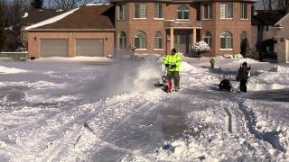 Dean Holtz Comparing Single Stage Ariens 722 Vs. 2 Stage Honda HS928 Snowblowers Part 2.m2t