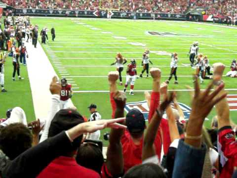 Michael Turner scores touchdown against Cincinnati Bengals, 2010