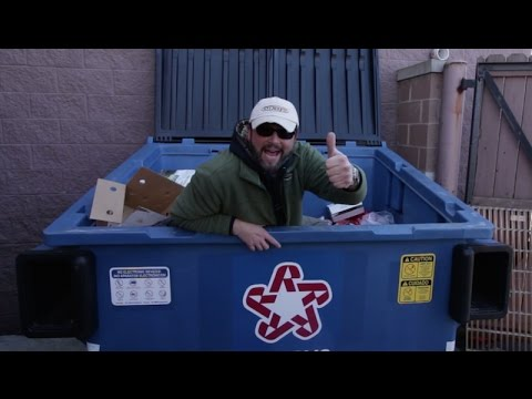 Dumpster Diving at PETCO Huge Score - YouTube