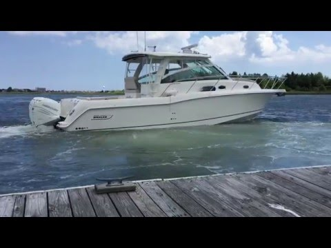 2016 Boston Whaler 345 Conquest Joystick Control: Docking Made Easy