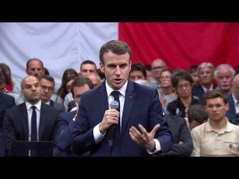 """Grand débat: Emmanuel Macron veut """"mettre en place des processus profondément nouveaux"""""""